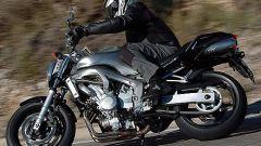 In sella a: Yamaha FZ6 - Immagine: 29