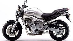 In sella a: Yamaha FZ6 - Immagine: 4