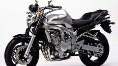 In sella a: Yamaha FZ6 - Immagine: 5