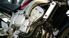 In sella a: Yamaha FZ6 - Immagine: 31