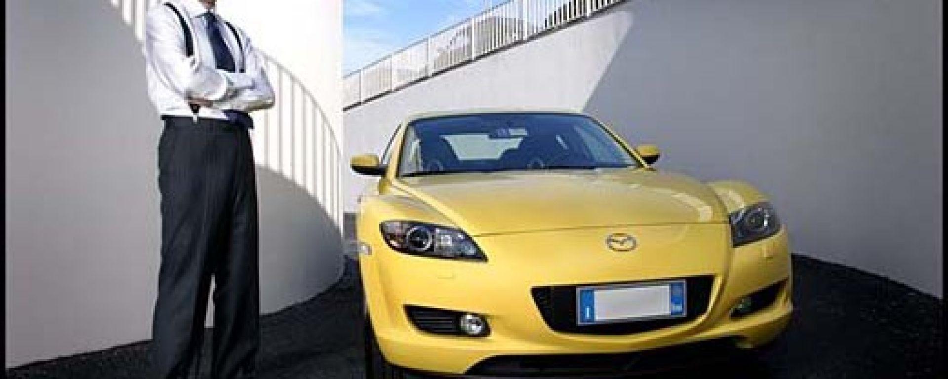 Comprereste una Mazda da quest'uomo?