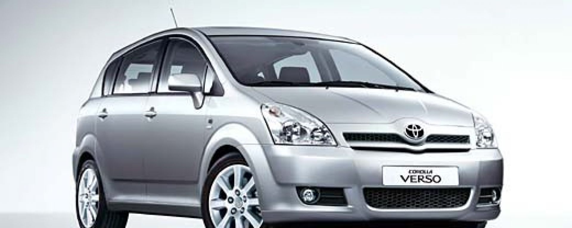Anteprima: Toyota Corolla Verso 2004