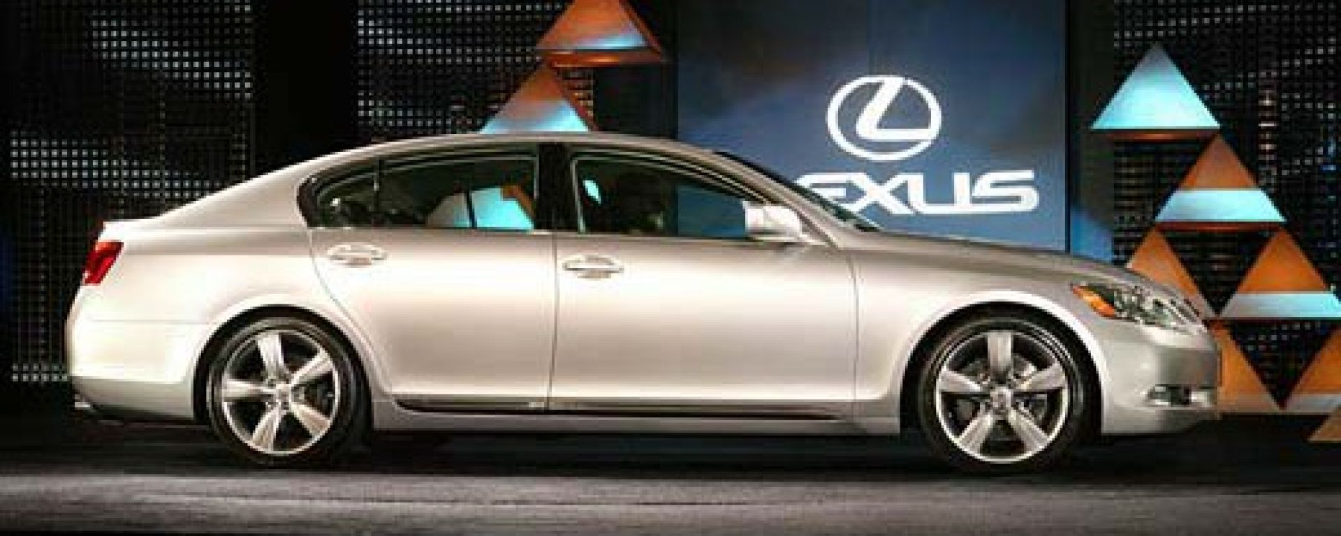 Anteprima:Lexus GS430 2005