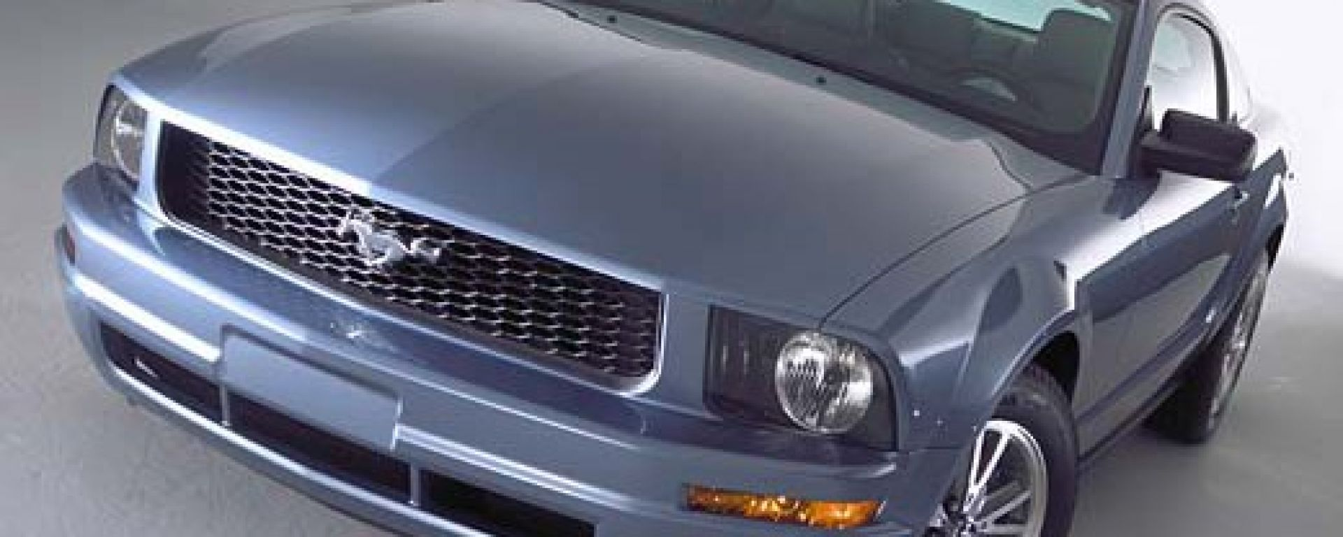Anteprima: Ford Mustang 2005
