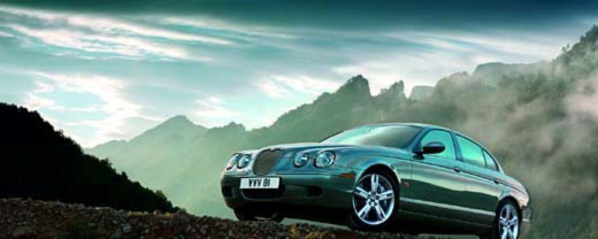 Anteprima:Jaguar S-Type 2004