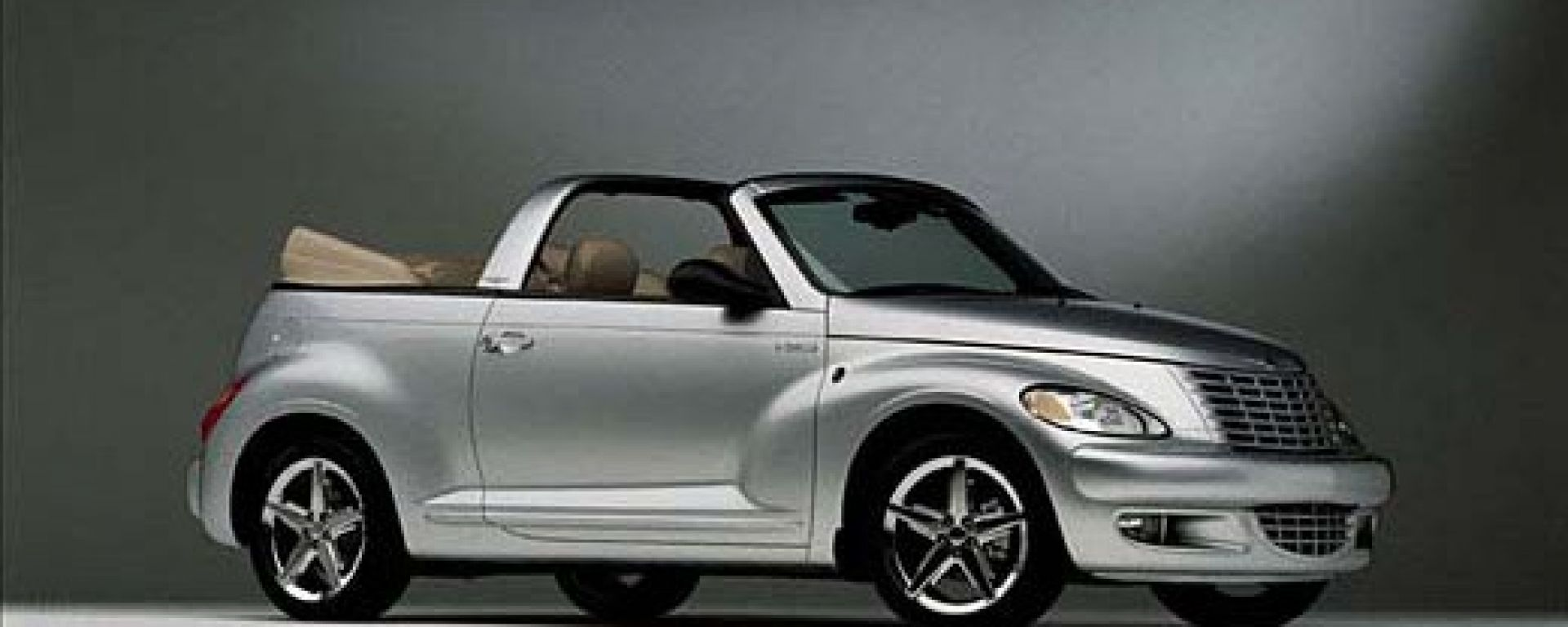 anteprima chrysler pt cruiser cabrio motorbox. Black Bedroom Furniture Sets. Home Design Ideas