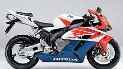 Tutti i numeri della Honda CBR 1000 RR - Immagine: 2