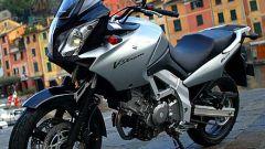 In sella a: Suzuki V-Strom 650 - Immagine: 37