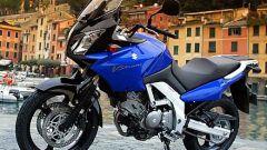 In sella a: Suzuki V-Strom 650 - Immagine: 10