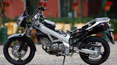 In sella a: Suzuki V-Strom 650 - Immagine: 12