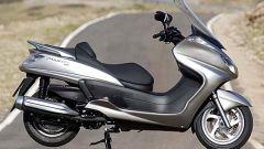 In sella a: Yamaha Majesty 400 - Immagine: 33