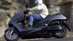 In sella a: Yamaha Majesty 400 - Immagine: 29