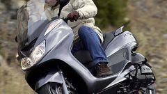 In sella a: Yamaha Majesty 400 - Immagine: 36