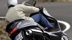 In sella a: Yamaha Majesty 400 - Immagine: 37