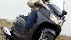 In sella a: Yamaha Majesty 400 - Immagine: 46