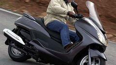 In sella a: Yamaha Majesty 400 - Immagine: 45