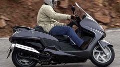 In sella a: Yamaha Majesty 400 - Immagine: 44