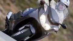 In sella a: Yamaha Majesty 400 - Immagine: 42