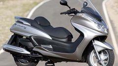 In sella a: Yamaha Majesty 400 - Immagine: 39