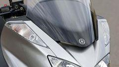 In sella a: Yamaha Majesty 400 - Immagine: 2