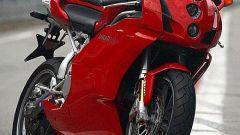 In sella a: Ducati 749 S MY 2004 - Immagine: 11