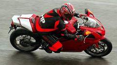 In sella a: Ducati 749 S MY 2004 - Immagine: 9