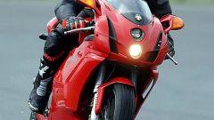 In sella a: Ducati 749 S MY 2004 - Immagine: 8