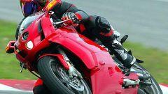 In sella a: Ducati 749 S MY 2004 - Immagine: 7