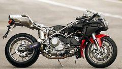 In sella a: Ducati 749 S MY 2004 - Immagine: 3