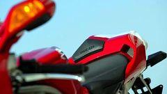 In sella a: Ducati 749 S MY 2004 - Immagine: 14
