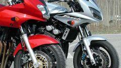 Kawasaki ZR-7S vs Yamaha Fazer 600 - Immagine: 61
