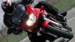 Kawasaki ZR-7S vs Yamaha Fazer 600 - Immagine: 44