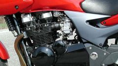 Kawasaki ZR-7S vs Yamaha Fazer 600 - Immagine: 20