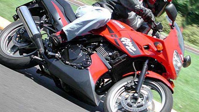 Immagine 22: Kawasaki GPZ 500S