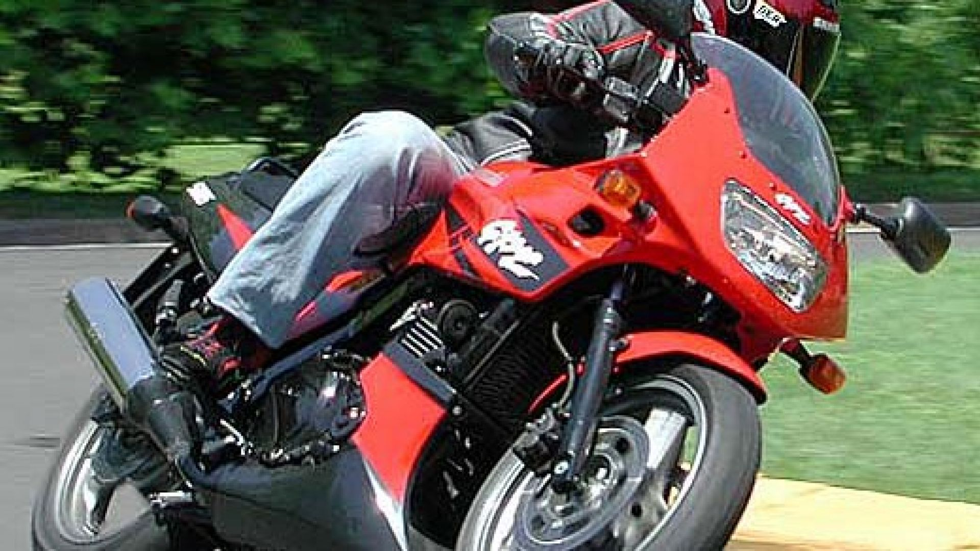 Immagine 26: Kawasaki GPZ 500S