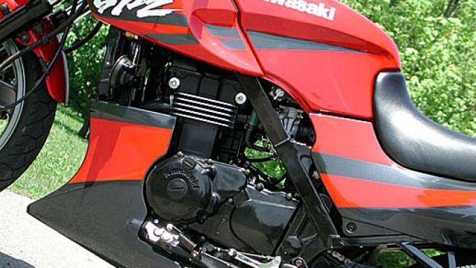 Immagine 8: Kawasaki GPZ 500S