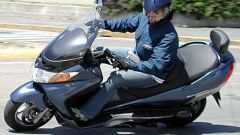 Suzuki Burgman 400 ie - Immagine: 31