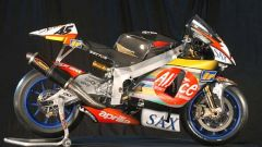 MotoGP 2003: al debutto l'Aprilia RS Cube - Immagine: 10
