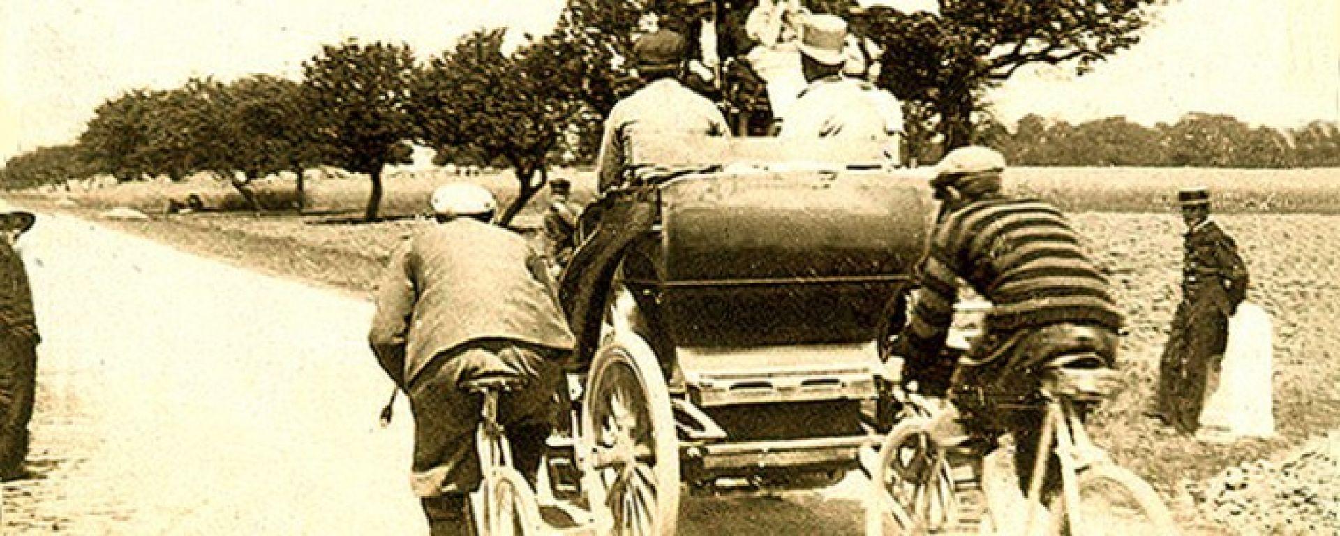 120 anni fa la prima gara automobilistica della storia