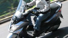 Suzuki Burgman 200 Vs Sym Joyride 200 Evo - Immagine: 3