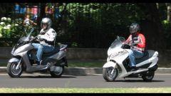 Suzuki Burgman 200 Vs Sym Joyride 200 Evo - Immagine: 7