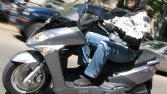 Suzuki Burgman 200 Vs Sym Joyride 200 Evo - Immagine: 9