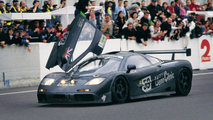 24 Ore Le Mans 1995: la McLaren F1 GTR festeggia la vittoria