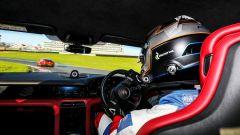 A bordo della Porsche Taycan a Brands Hatch