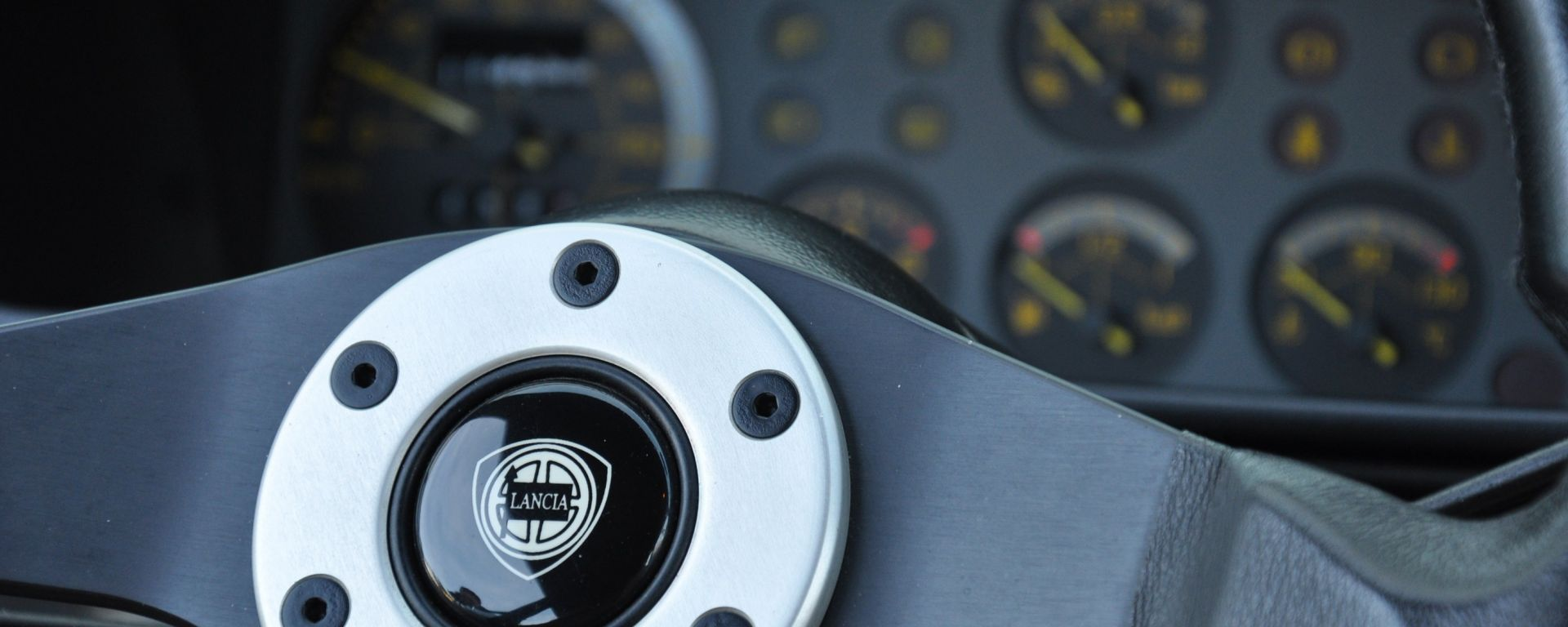 Abitacolo e interni della Lancia Delta HF Integrale