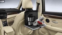 BMW: dai seggiolini al porta tablet, gli accessori per le vacanze - Immagine: 12