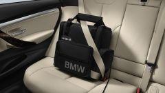 BMW: dai seggiolini al porta tablet, gli accessori per le vacanze - Immagine: 17