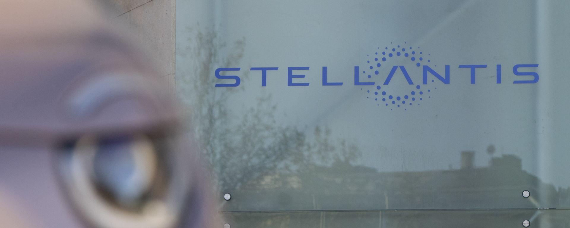 Accordo Stellantis Foxconn