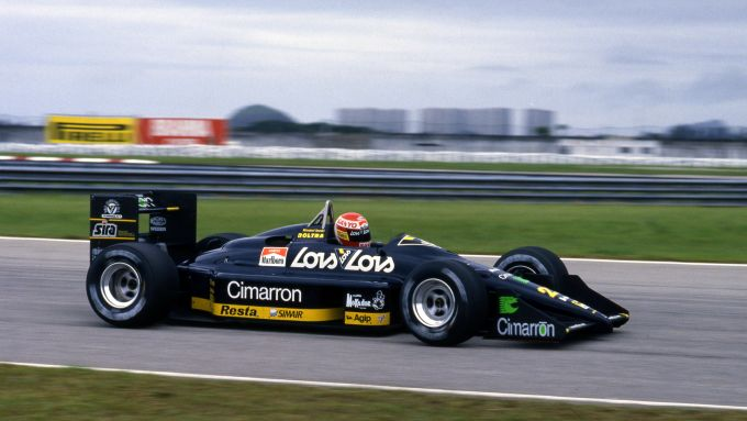 Adrian Campos sulla Minardi M188 del 1988
