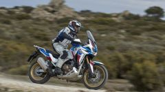 Africa Twin Adventure Sports 2020: vista laterale dinamica